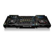 Pioneer CDJ-2000 NXS2 & Pioneer DJM-900 NXS2 Mixer